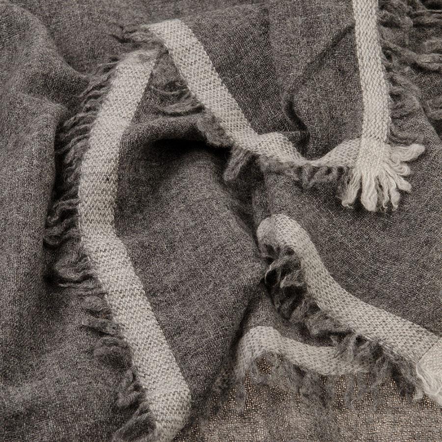 Итальянский кашемировый палантин темно-серый 969895