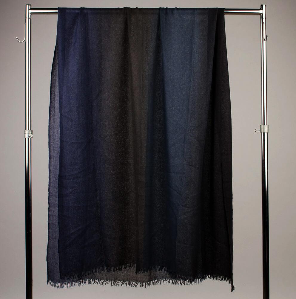 Итальянский кашемировый палантин граде черно-синий 935327